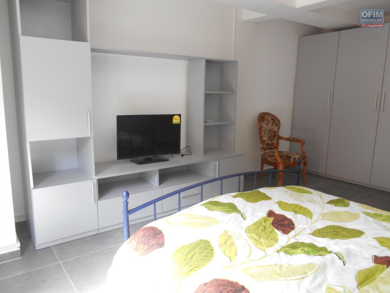 Location studio f1 antananarivo tananarive a for Location appartement l