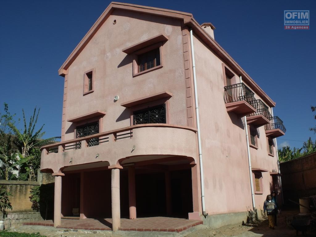 Location maison villa antananarivo tananarive a louer une maison neuve f5 sur 3 - Location maison 3 chambres ...