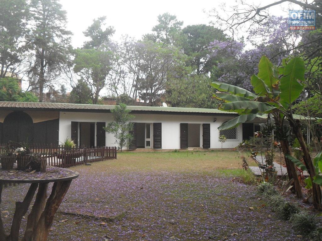 Villa basse madagascar for Plan villa basse