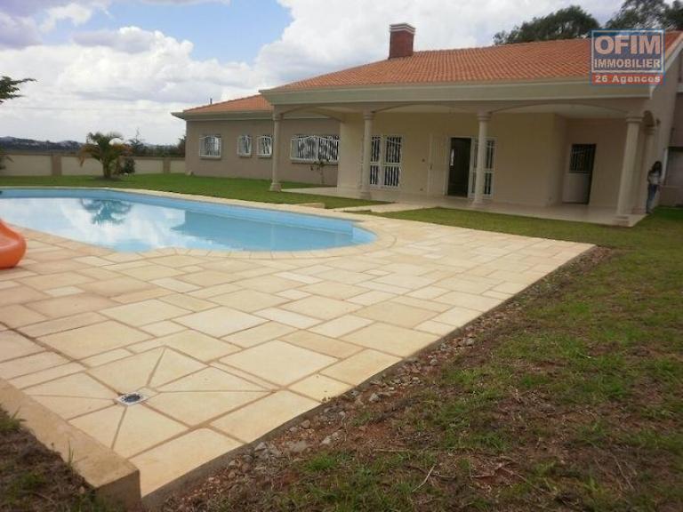 Vente maison villa antananarivo tananarive vente for Vente tuyau piscine