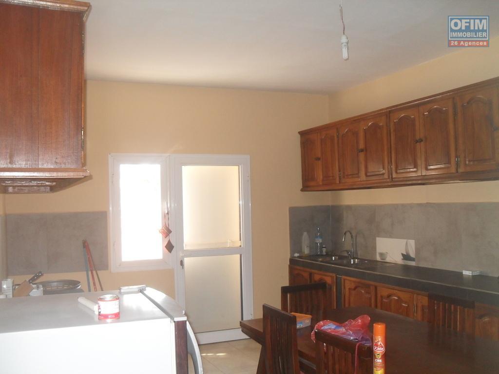 Louer Bureau Pour Habitation : Location maison villa antananarivo tananarive a louer