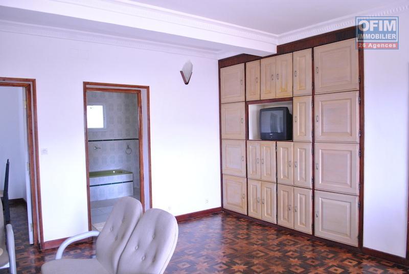 meubles de maison top promo evier lavabo meubles maison de poupe jouet en bois steiner waldorf. Black Bedroom Furniture Sets. Home Design Ideas