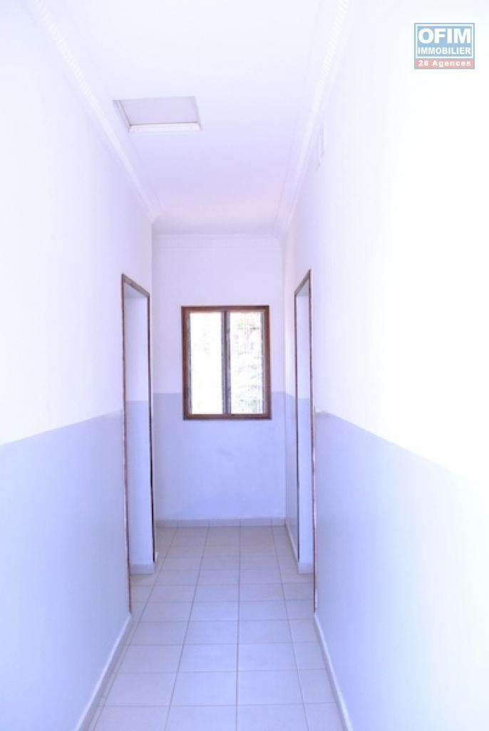 Meubl maison villa antananarivo tananarive a for Location maison meuble