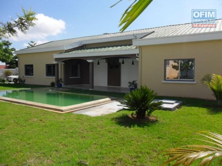 Location maison villa antananarivo tananarive a for Location maison avec jardin 34