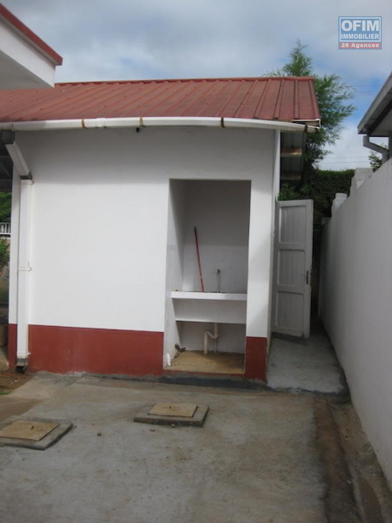 Image maison villa basse for Plan villa basse moderne