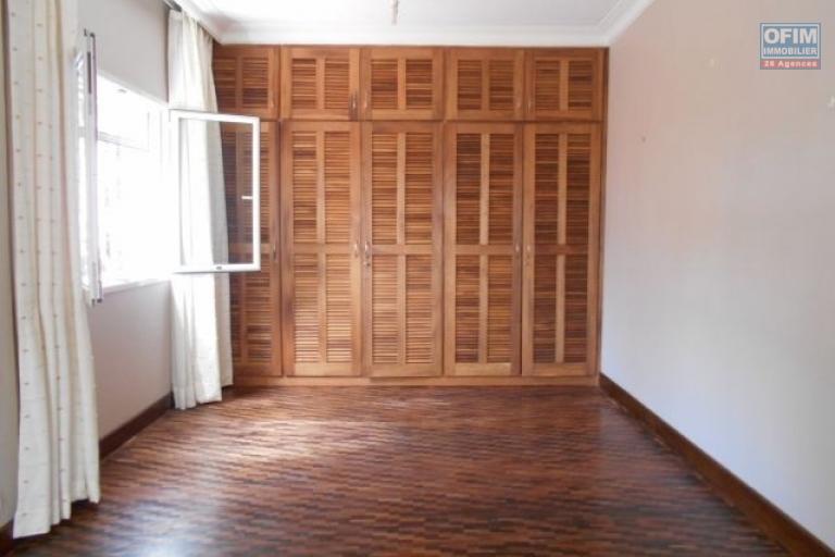 A louer un appartement T4 dans un endroit calme à Mahatony Antananarivo