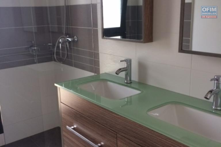 A vendre appartement T3 neuf à Ivandry