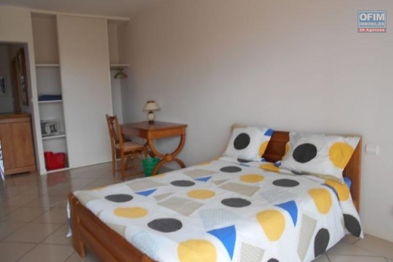 A louer un studio entièrement meublé et équipé à Ivandry Antananarivo