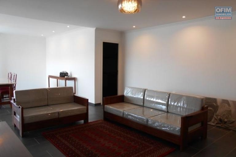 A louer un appartement neuf T4 semi meublé dans une résidence à Ambatobe Antananarivo
