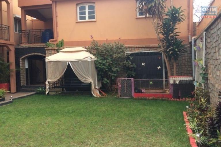 A vendre villa entièrement meublé et  équipé  F7 à ivato .