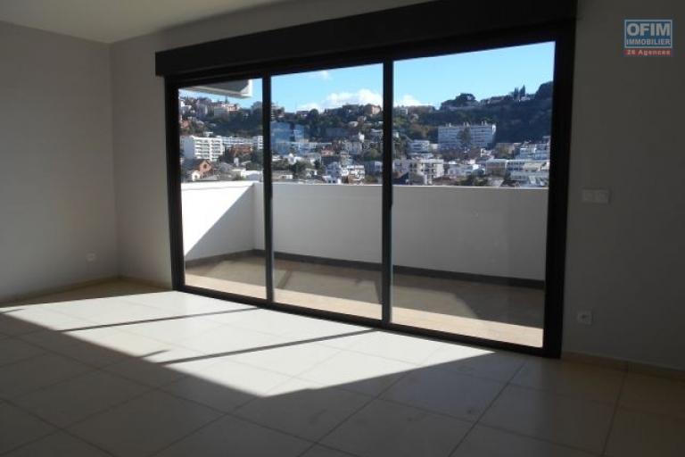A louer un appartement T3 neuf sur Cité planton Antananarivo