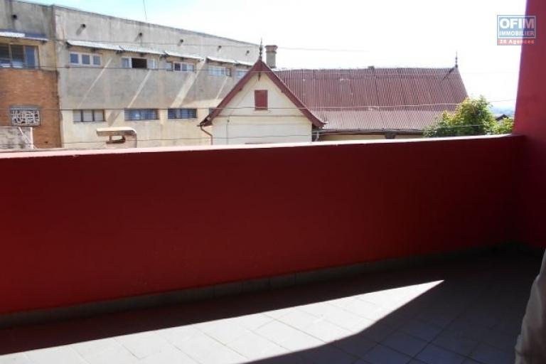 A louer un local professionnel à Isoraka Antananarivo