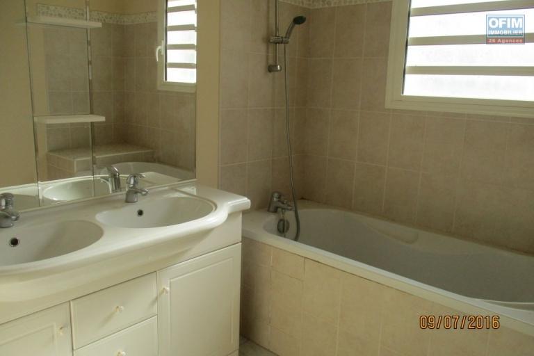 OFIM met en location une belle villa F4 sise à Ambatobe