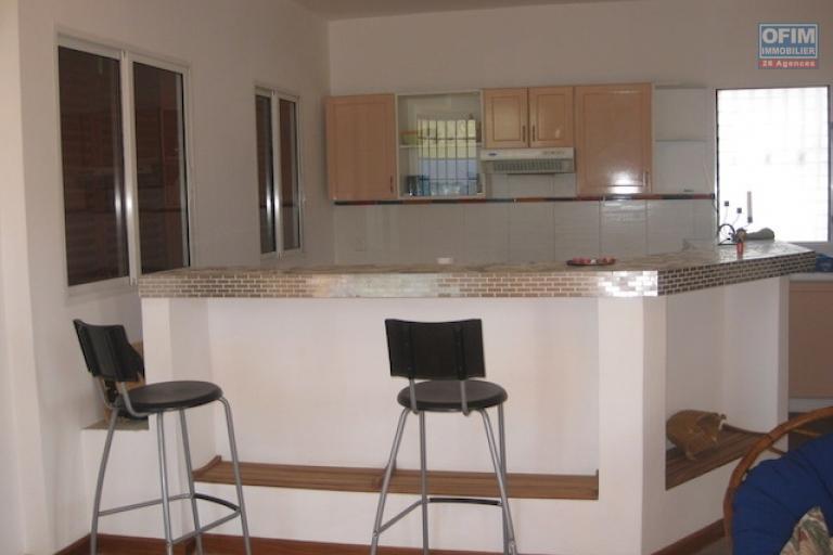 A louer une très belle villa de type F4 dans un quartier résidentiel à Ilaivola Ivato