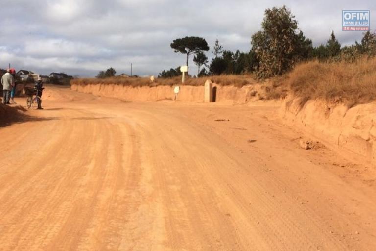 A vendre terrain de 5 394 m2 proche nouvelle route laniera / ivato