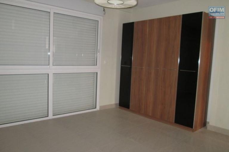 A louer un grand appartement T4 à Ivandry Alarobia Antananarivo