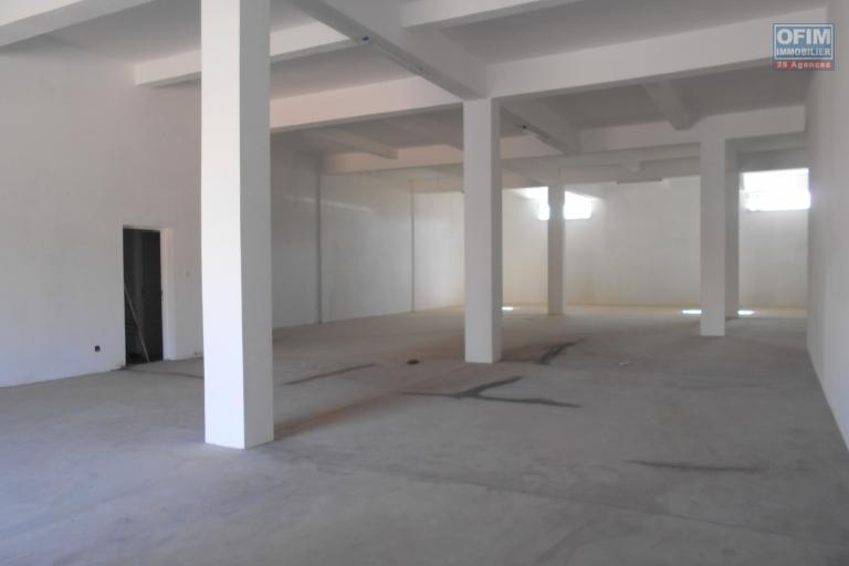 A louer 4 entrepôts neufs à 10m de la route principale à Ambohibao Antananarivo