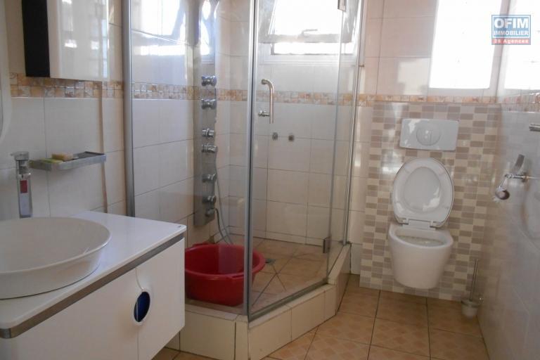 A louer un appartement T3 à Alarobia Antananarivo