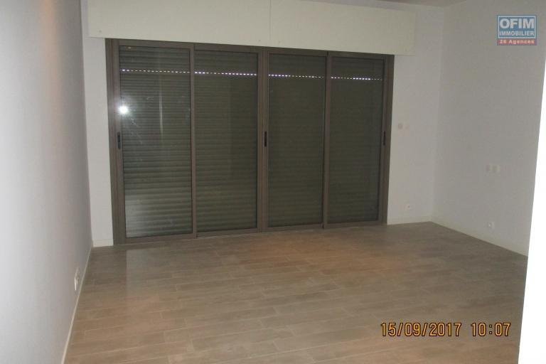OFIM propose en location des appartements T4 neufs avec piscine à Ivandry