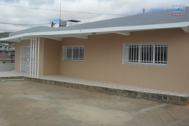 A louer une villa basse de type F4 à Mahalavolona Andoharanofotsy Antananarivo