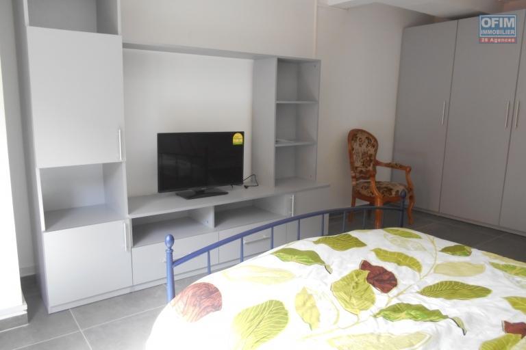 A louer un studio meublé dans un grand immeuble sécurisé à Ivandry Antananarivo