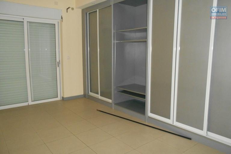 A louer un appartement T3 en duplex  à Tsimbazaza Antananarivo