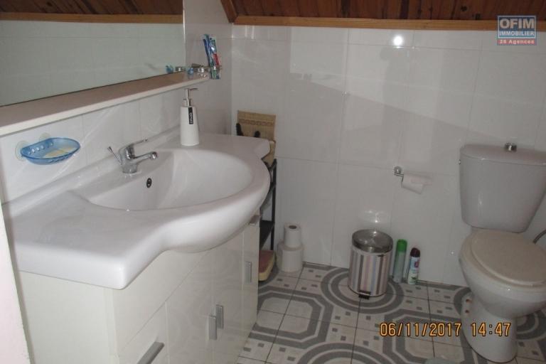 OFIM offre en location une villa F4 neuve meublée à Ambolokandrina