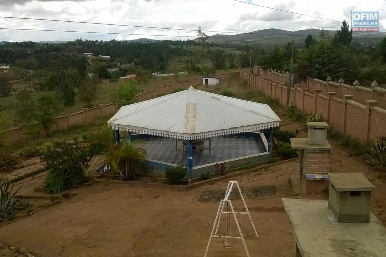 A vendre, une grande propriété de 7000 m2 à Rangaina Ilafy