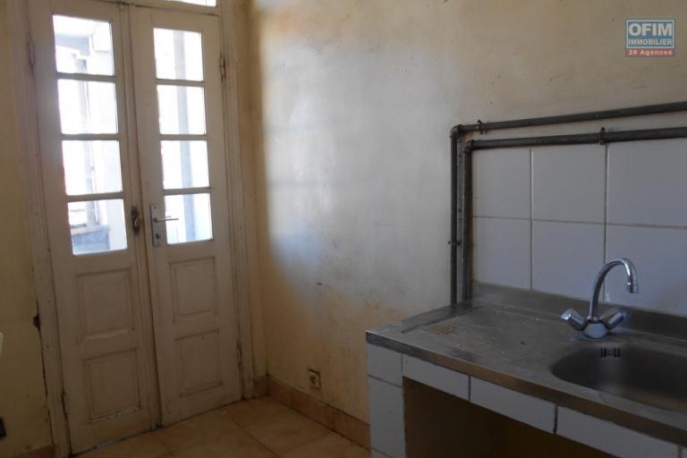 A louer un local professionnel à Antaninandro Antananarivo