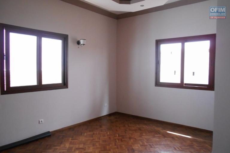 A louer un appartement T4 à Amboditsiry Antananarivo