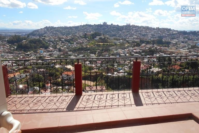 un appartement T3 dans une résidence à Ankatso Antananarivo