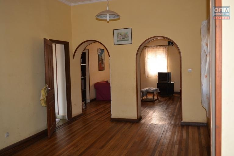 A louer une maison de type F6 avec annexe à Itaosy Antananarivo