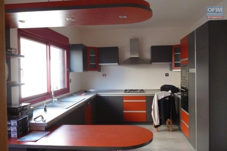 A vendre villa F4 neuve de style contemporaine à Ankadimbahoaka