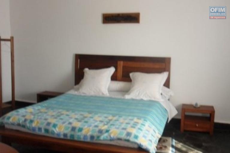 A louer un appartement T4 meublé à Mandrosoa Ivato Antananarivo