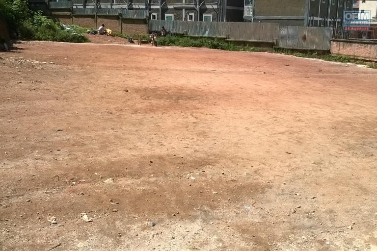 A vendre, un beau terrain de 2 185 m2 proche du centre ville à Ambatoroka- Antananarivo