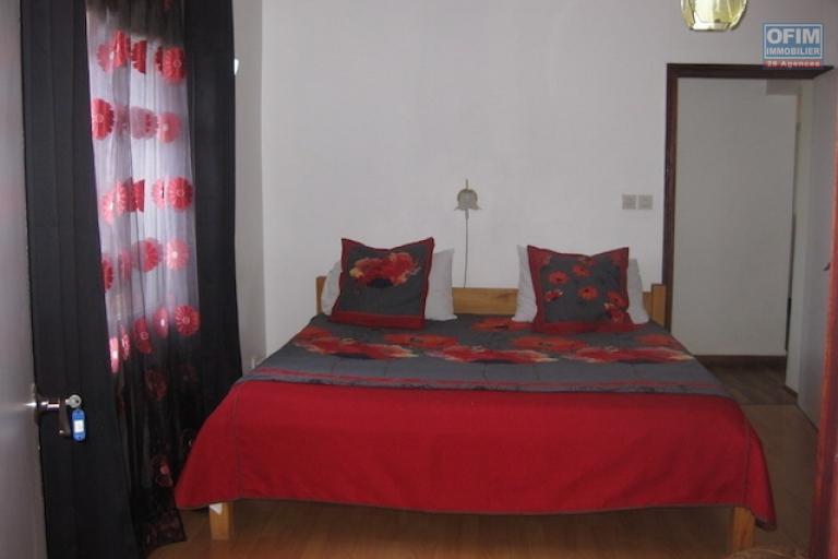 A louer un appartement meublé T4 dans un endroit facile d'accès à Imerinafovoany