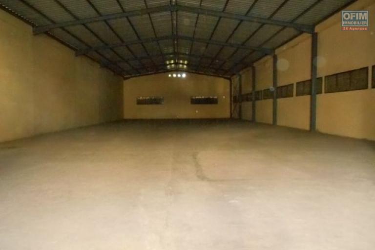 Un entrepôt de 650m2 dans une zone industrielle à Tanjombato Antananarivo