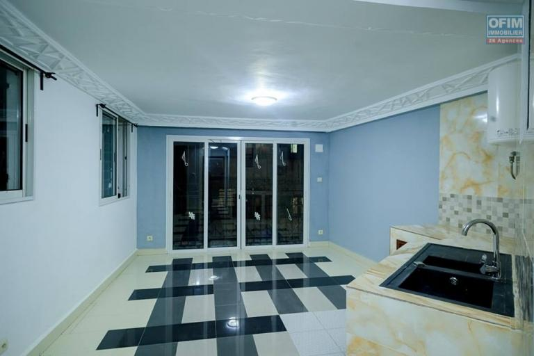 OFIM offre en location un studio à Behoririka