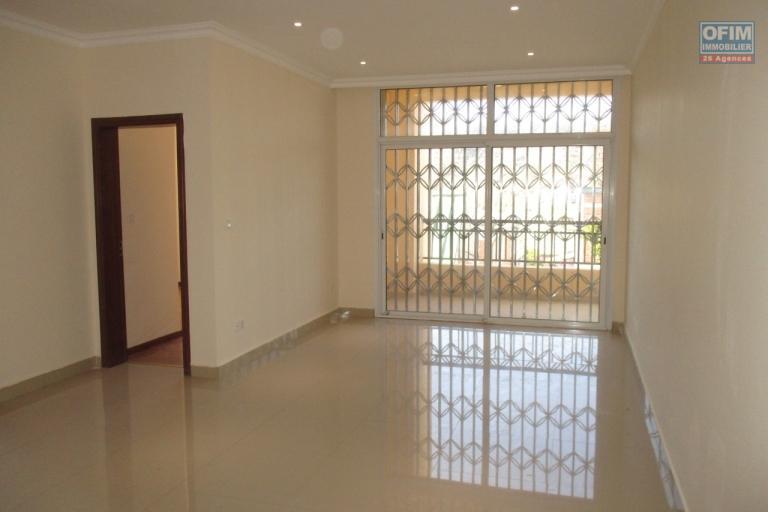 OFIM propose des appartments T3 neufs à Ambatobe