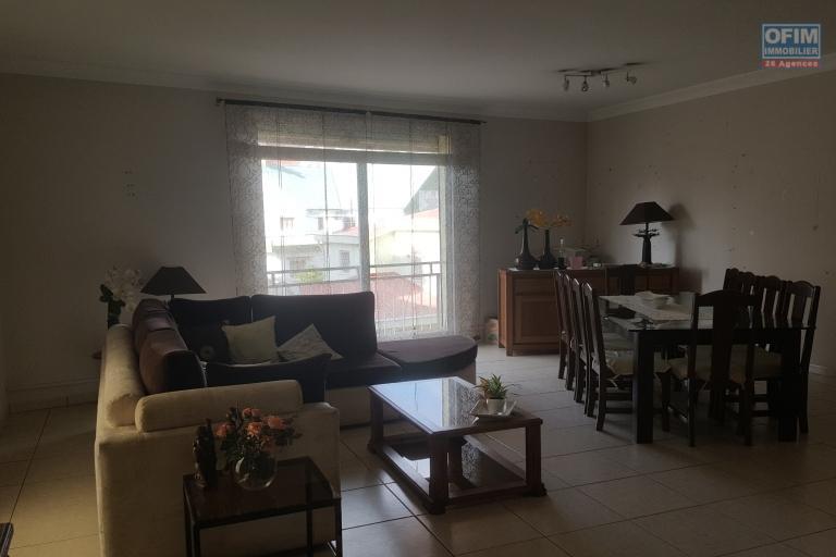 OFIM offre en location une maison F7 en BDR principale à usage mixte sur Nanisana