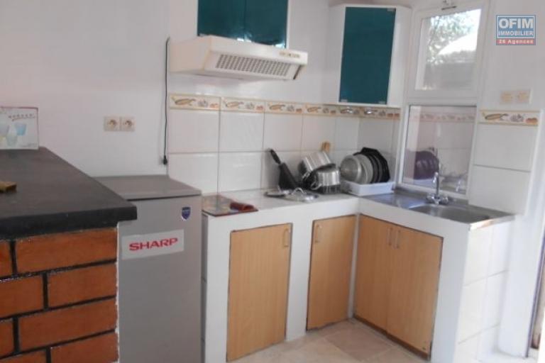 A louer un studio meublé et équipé tout près du Lycée à Ambatobe Antananarivo