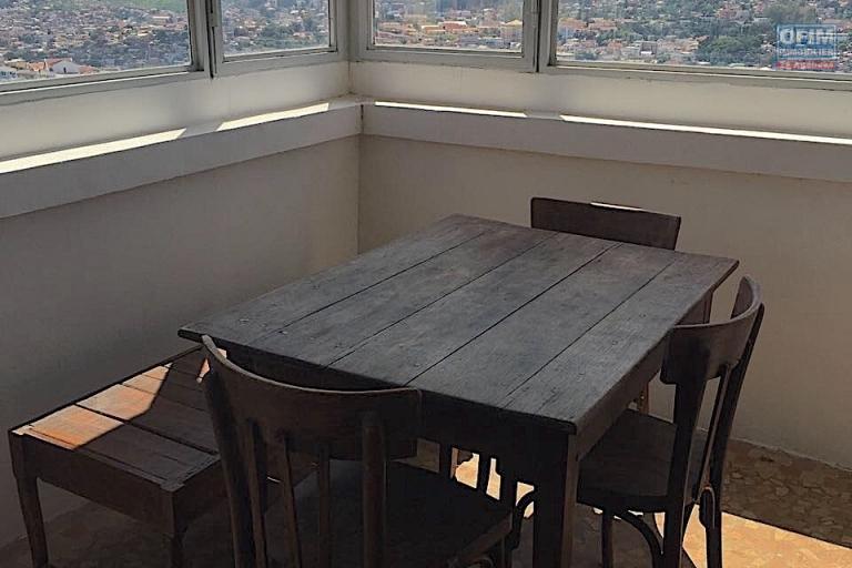 A louer un appartement T2 meublé et équipé à Ambohijatovo Ambony Antananarivo
