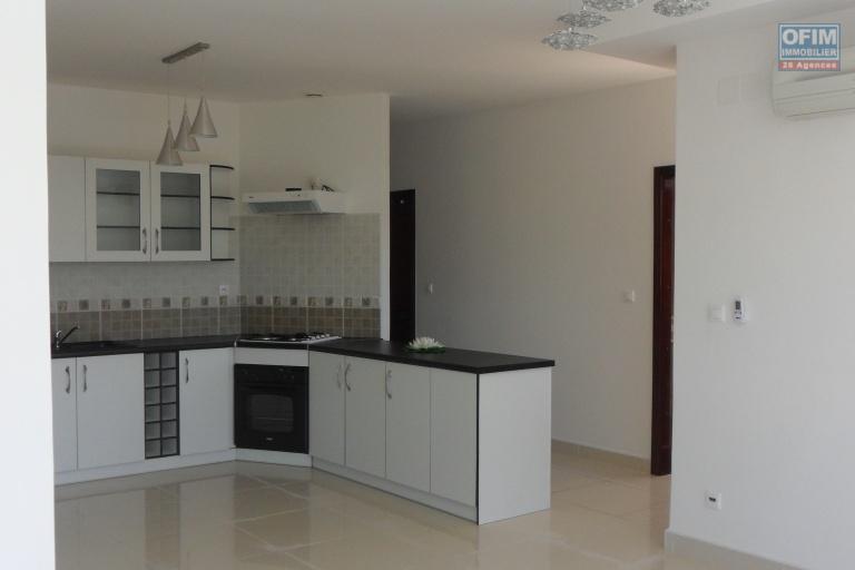 A vendre, un bel appartement T3 de haut standing, dans une résidence avec piscine à Ambatobe- Antananarivo