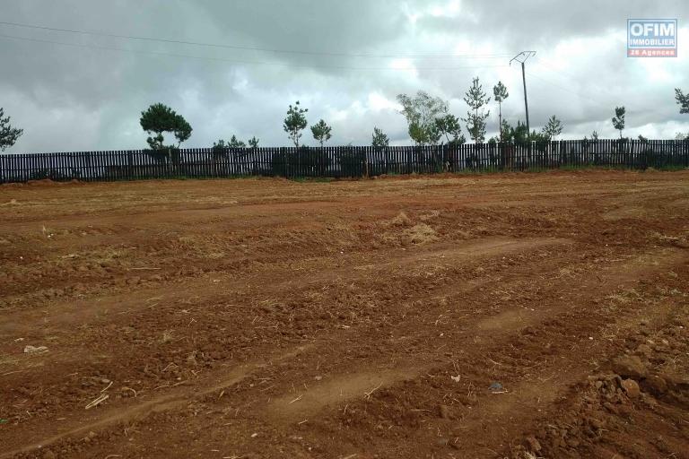 A vendre, un beau terrain de 1182 m2 avec magnifique vue à Ivato - Antananarivo