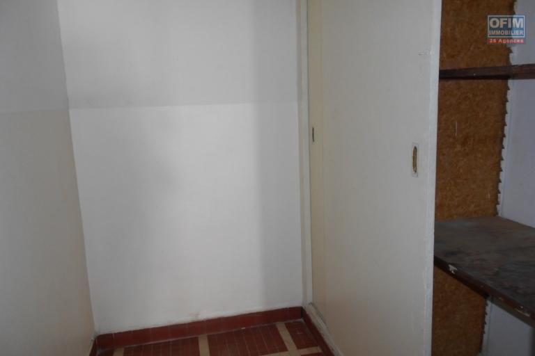 A louer un appartement de type T4 à Antsahavola Antananarivo
