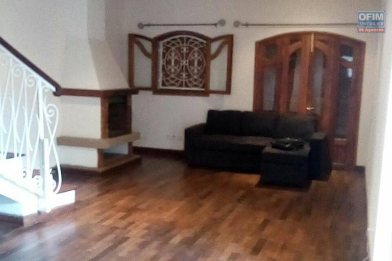 A louer une villa de type F5 à mahatony Ivandry Antananarivo