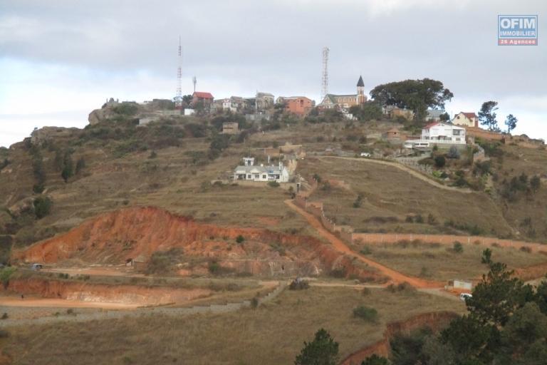 OFIM met en vente une villa F3 + F2 indépendant dans une résidence sécurisée à Ambatobe- Antananarivo