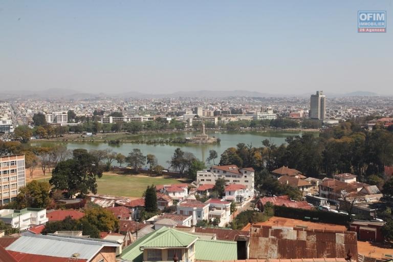 A louer un appartement T4 avec vue sur le lac Anosy à Ambatonakanga Antananarivo