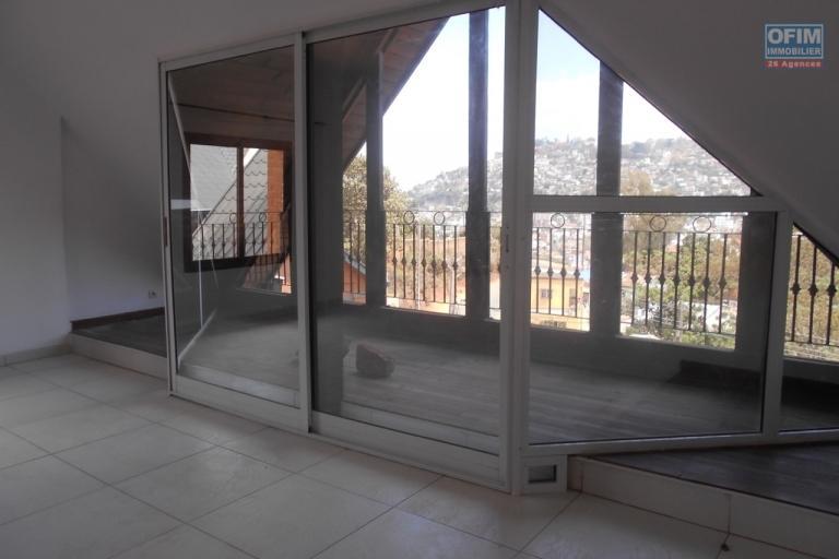 A louer un grand appartement T3 sécurisé à Ambohimiandra Antananarivo