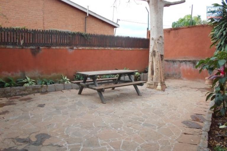 A louer une villa F4 meubléeet équipée à Mahatony Ivandry Antananarivo